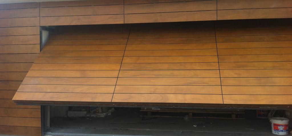 uchlona brama elewacja drewnopodobna prodema